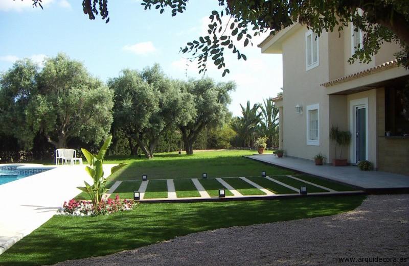 césped artificial jardín casa piscina