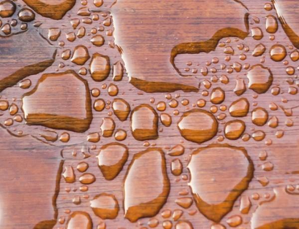 Parquet de Madera Natural mojado: os decimos cómo solucionarlo