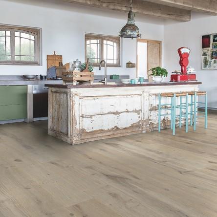 cocina con suelo parquet roble tormenta invernal coleccion massimo quick-step pavimentos arquiservi
