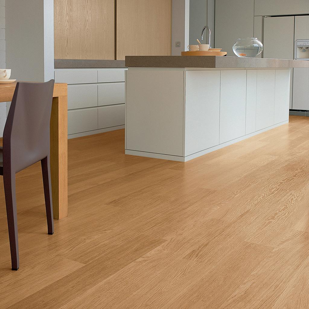 suelos laminados largo de quickstep roble-barnizado-natural-en-planchas-arquidecora