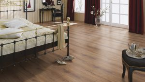 SUELO LAMINADO COURAGE LINE am D06 ROBLE MARRON SEPIA TERHURNE PAVIMENTOS ARQUISERVI