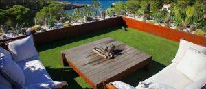 poner césped artificial terraza pavimentos arquiservi