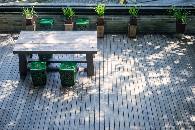 5 ideas para decorar tu terraza o balcón (y que valga para todo el año)